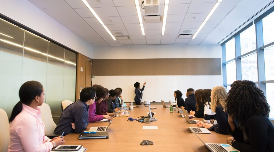 10 Cara Jitu Membuat Pelatihan Internal Efektif bagi Karyawan